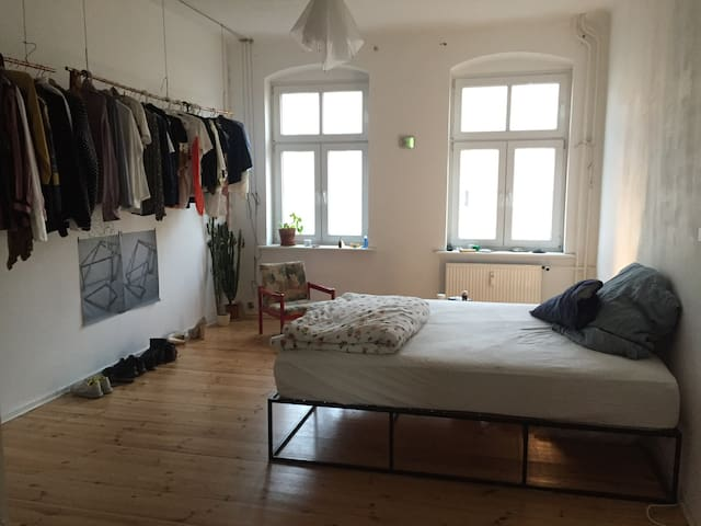 spacious, cozy room in Samariter Kiez