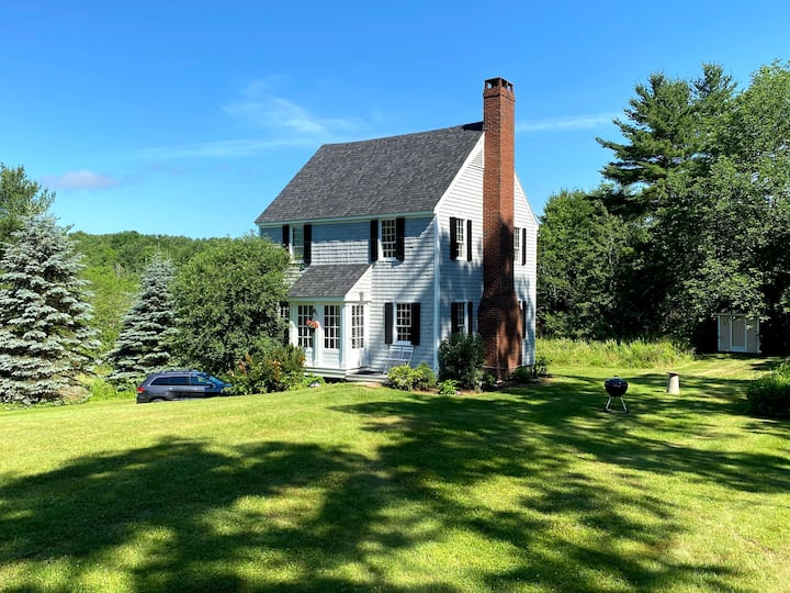 Cozy cottage in Orland Village-Penobscot Bay area