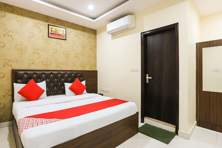 OYO Classic Furnished 1BR Stay in Faridabad