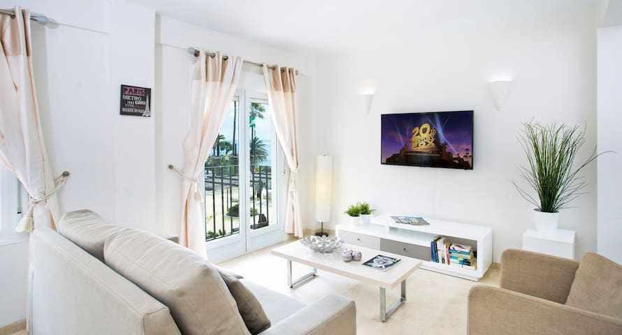 BEST LOCATION apartment in MARBELLA. BEACHFRONT!!