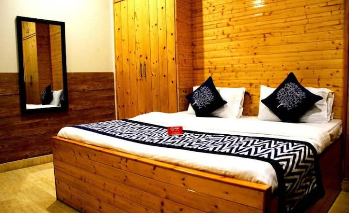 Artistic Boutique Room with kitchen in New Delhi