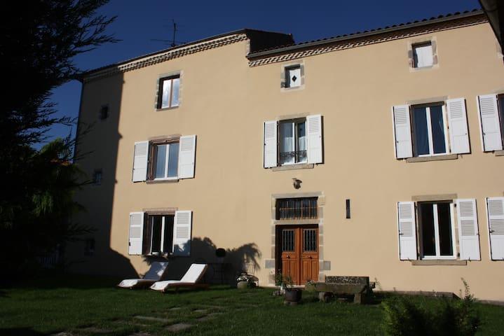 Le Clos - Chidrac - Dům