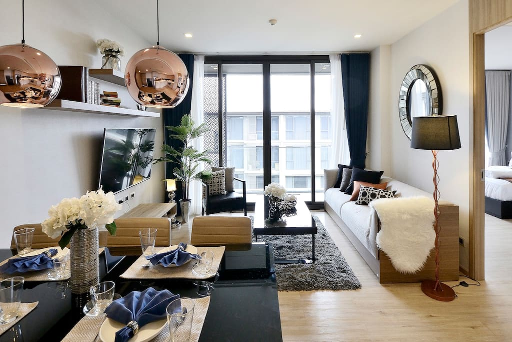 Huge livable private apartment for a group of 6 with everything you need.