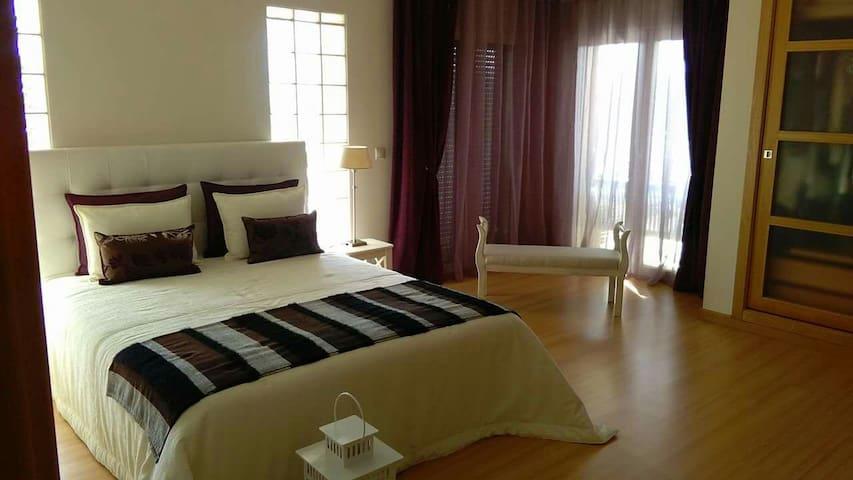 Quarto Suite perto de Fátima - Pombal - Дом