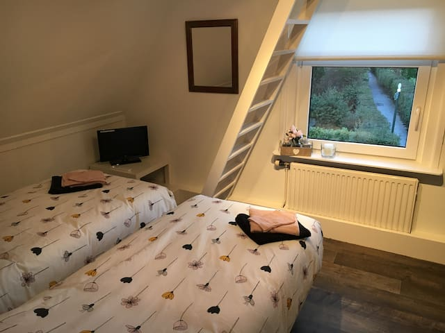 2 privé kamers met privé badkamer in Bergambacht