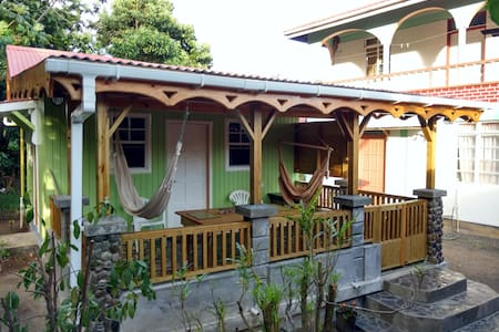 Tiny house near the beach - Calibishie - Kabin