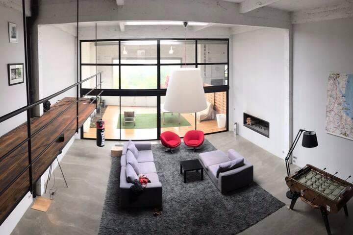 Chambre design dans loft