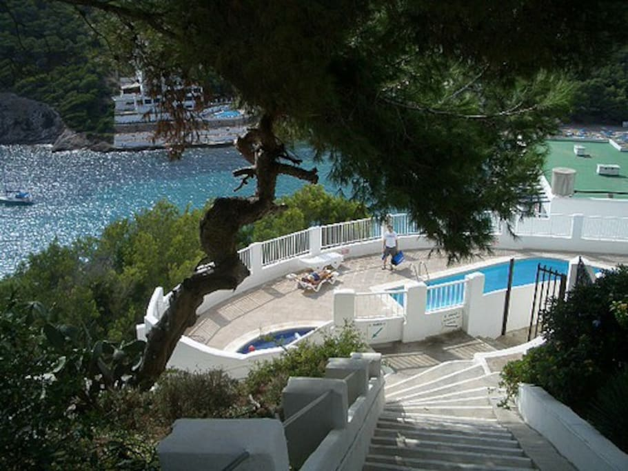 Ibiza beach front duplex sleeps 4 appartements louer for Piscines illes