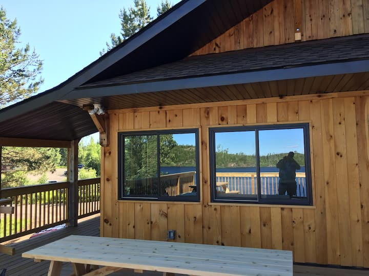 R2 Brand New Saganaga Lodge Family Room. Sleeps 4!