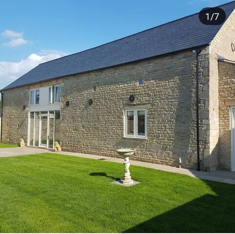 Contemporary  Barn Conversion(double room/ensuite)