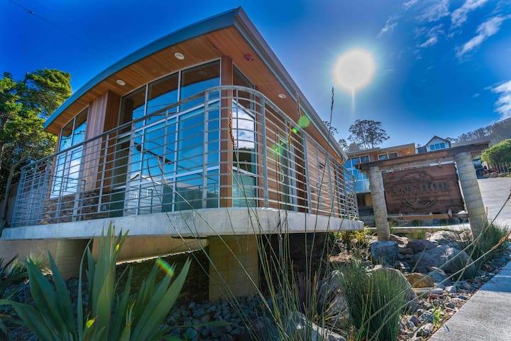 NEW!Coastal Studio 1-PRIVATE,CLEAN, NO COMMON AREA