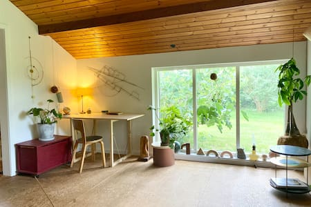 Very cosy summerhouse close to the fjord