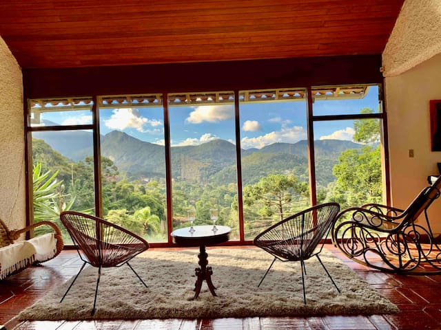 Maison R&G, vista da serra, piscina, jacuzzi, WiFi