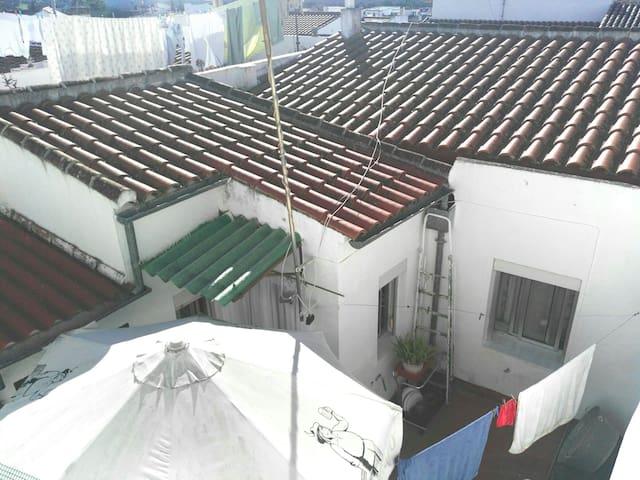 Coqueta  casa en El Pedroso - El Pedroso - Huis