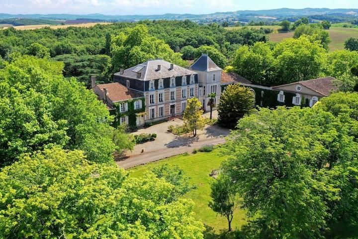 Château St-Joseph: grand gîte 4* en pleine nature