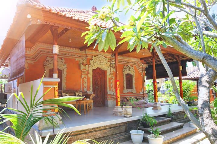 Omah Satoe - Balinese Royal Style King Size Room
