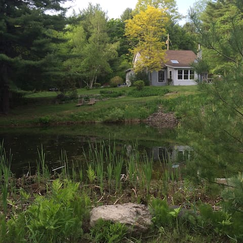 Post and Beam Country Berkshire escape 5/31-9/1
