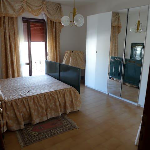 Accogliente - Mondragone - 公寓