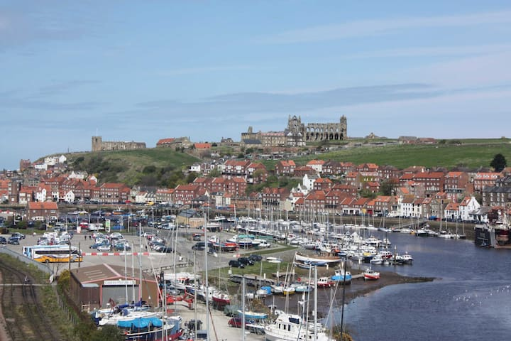 Captain's Cabin, Harbour House, Whitby