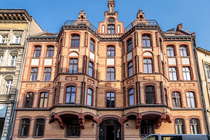 Tenement House of Saint Wojciech R & B