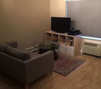 Quaint studio condo on 2nd floor w/ view of Pool - 앤도버 - 아파트(콘도미니엄)