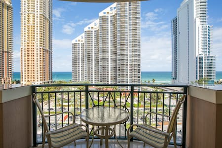 GORGEOUS KING DAVID BLD 2BD/2BTH  CONDO OCEAN VIEW