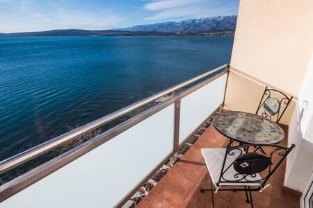Sea view apartment with balcony - Novigrad