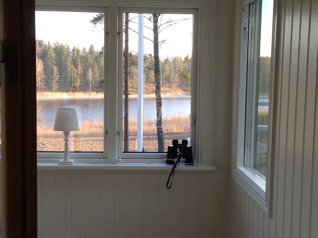 Ocean view cottage 95 meters to sea. Boat included - Norrtälje SO - Srub