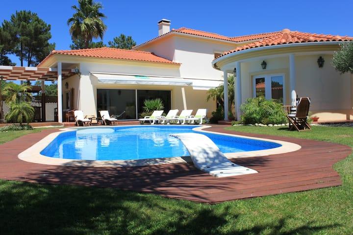 Charming Villa - Piscina,Praias,Golf,Perto Lisboa