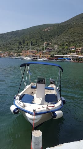 Motorboat for rent. Sivota Lefkada. 5 persons max