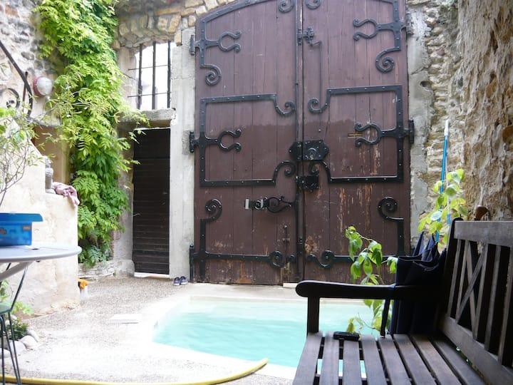Au cœur d'un village provençal