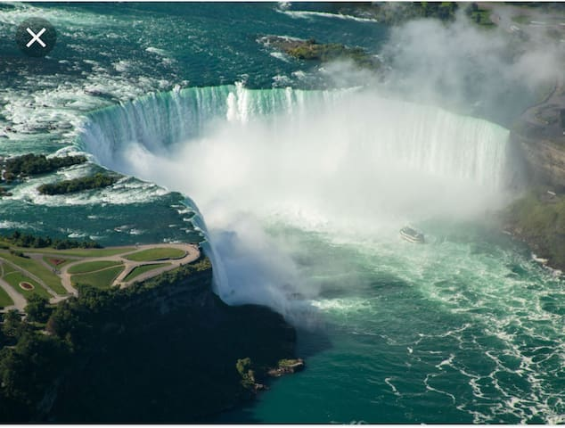 Niagara Falls, Ontario...one of the world wonders! Just a short 20min drive away.