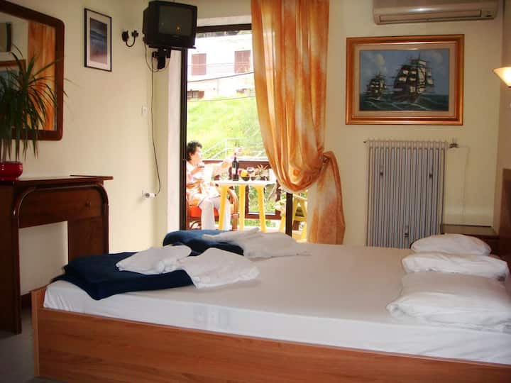 Welcome To Hotel ,,petunia,, In Neos-marmaras,xalkidiki ,greece,in Para18dise
