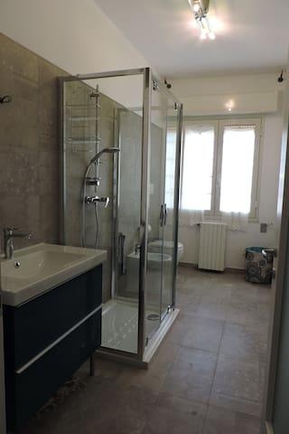 Camera matrimoniale, bagno privato