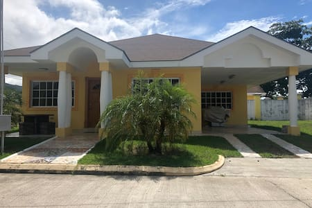 La ceiba family luxury Villa