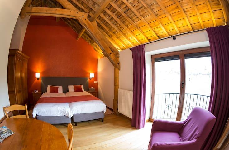 "Chambre"" Girofflée"" 2 lits - Ferme Château Laneffe"