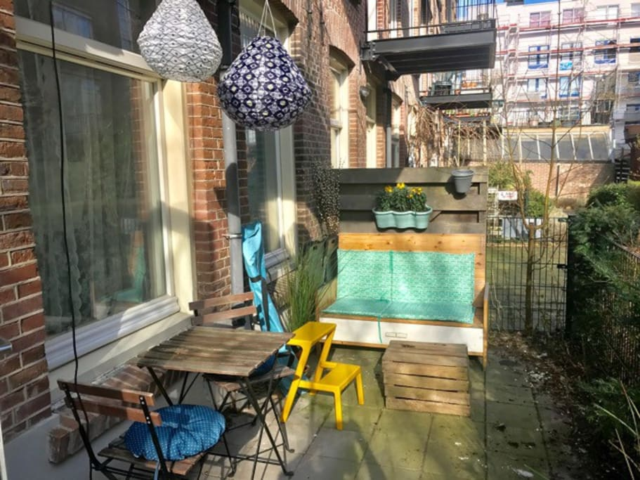 Cute outdoor area in a quiet inner garden. Sun all day; perfect for a sunny breakfast or relaxed afternoon
