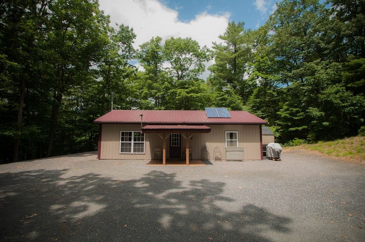 New Bloomfield Cabin with Privacy and Hiking
