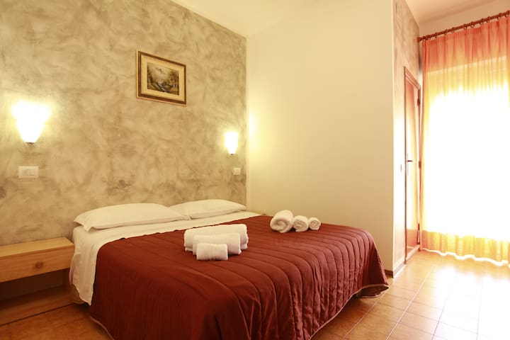 Hotel nel cuore di Acqualagna - Acqualagna - Bed & Breakfast