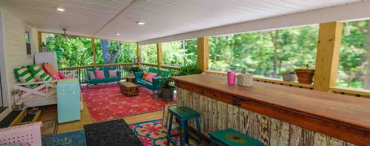 Saving Grace Cottage, Cozy & Charming, Falls Lake
