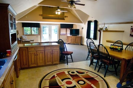 Somewhere In Time - Carriage House, Sleeps 12 - Diamond Point - Casa