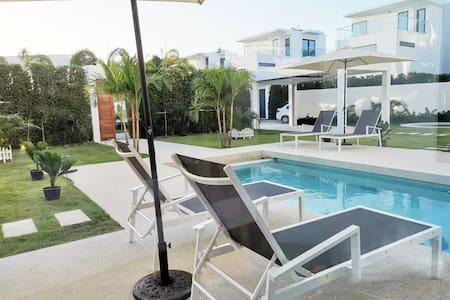 【Villa Pattaya】3 floors, 4 bedrooms, large space