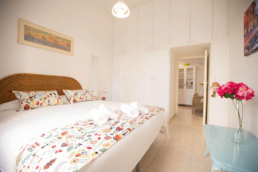 gem tliche wohnung in san lorenzo wohnungen zur miete in rom latium italien. Black Bedroom Furniture Sets. Home Design Ideas