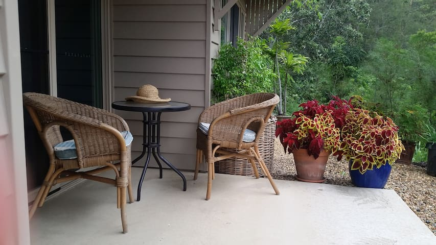 Jane's Hideaway, near Maleny, accessible