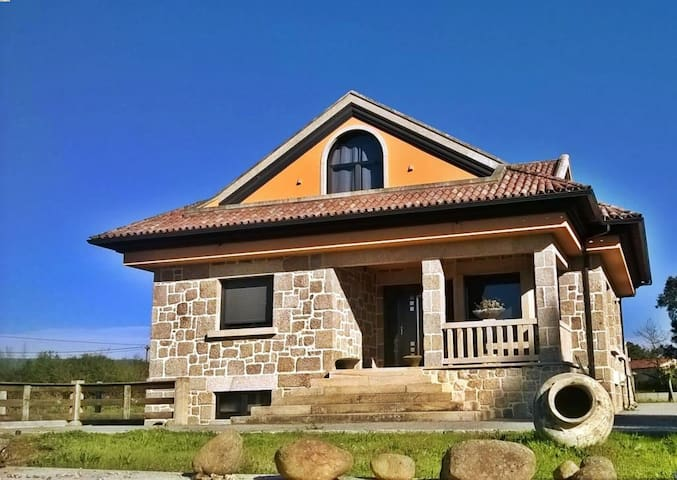 New villa with WiFi in Tomiño
