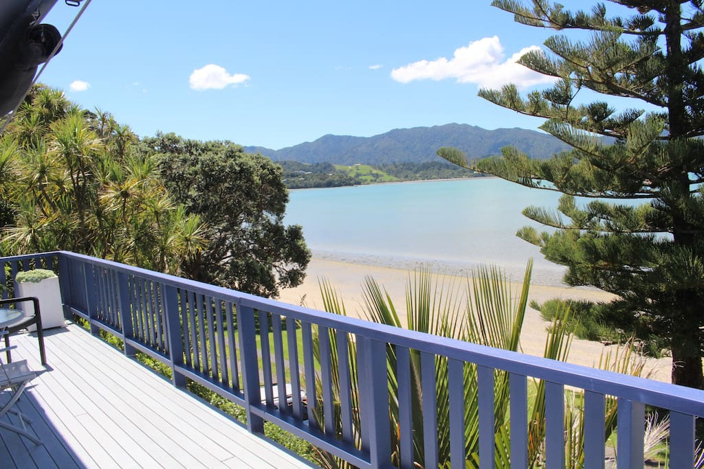 Fabulous unobstructed views over Coromandel Harbour and Wyuna Bay Beach