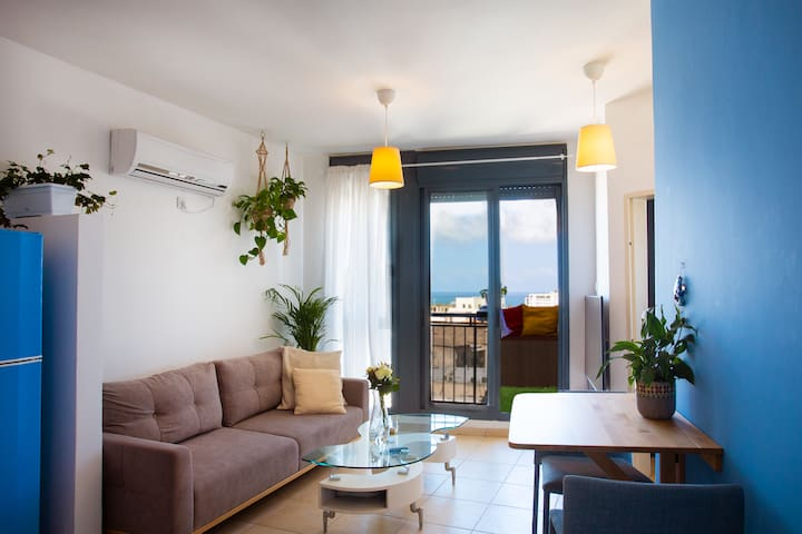 Zorba's SeaView Apartment in the Heart of Tel Aviv