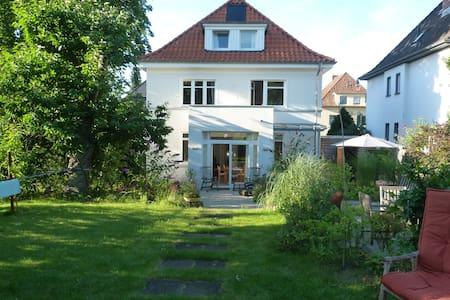 Osnabrück, kleine DG-Wohnung, zentrumsnah