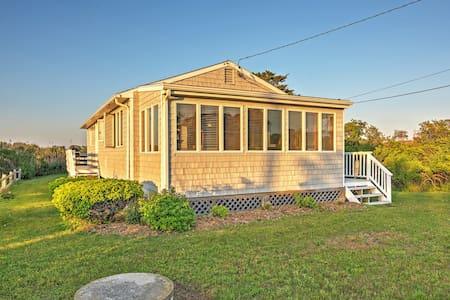 Quaint 3BR Charlestown Cottage - Charlestown