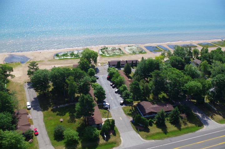 Beach Front, 2-BD on Lake Huron (#7)
